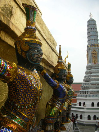 Guardian at Wat Pra Kaeo